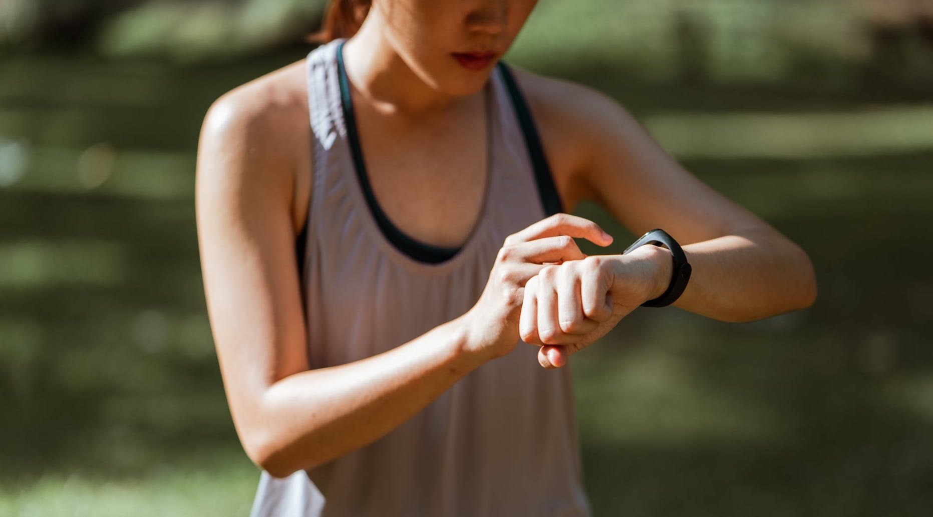 Top 6 Fitness Applications that Enhance Your Home Workout Routines